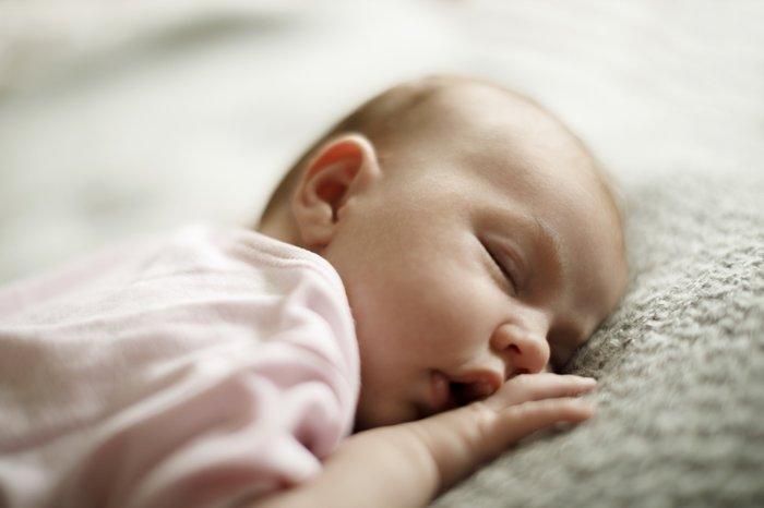 Bebeklerde Hırıltı Nedenleri Nelerdir? Belirtileri Nelerdir?