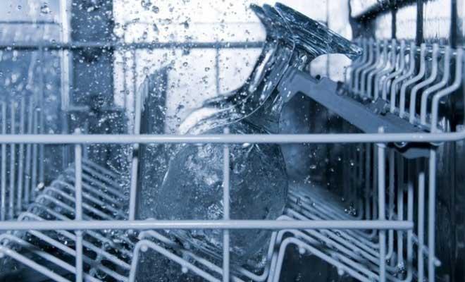 Bulaşık Makinesi Neden Temiz Yıkamaz?