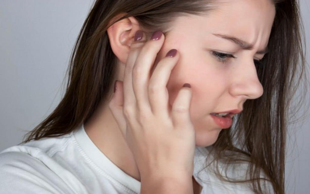 Kulak arkası soyulması (kulak egzaması) neden olur ve nasıl geçer?